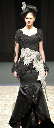 Kebaya Hitam - Glamoritas Model Kebaya 'Hitam' Modern | Queens' Kebaya