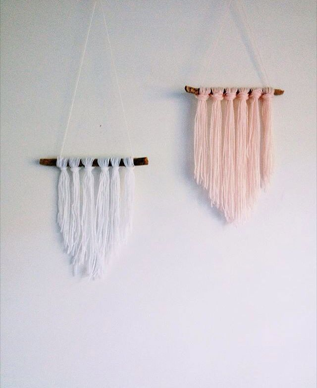 Newest edition to my bedroom: DIY yarn hanging | zoenethery