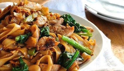 Thai Stir Fried Noodles (Pad See Ew)