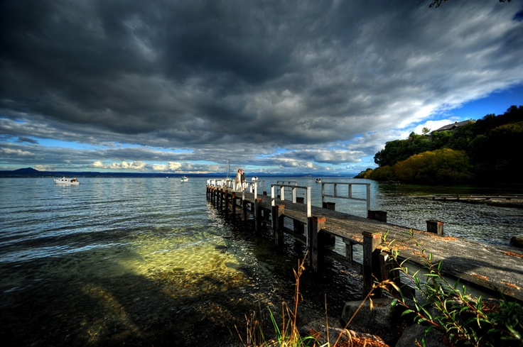 this looks like quite a cool photographer! From taupo!!