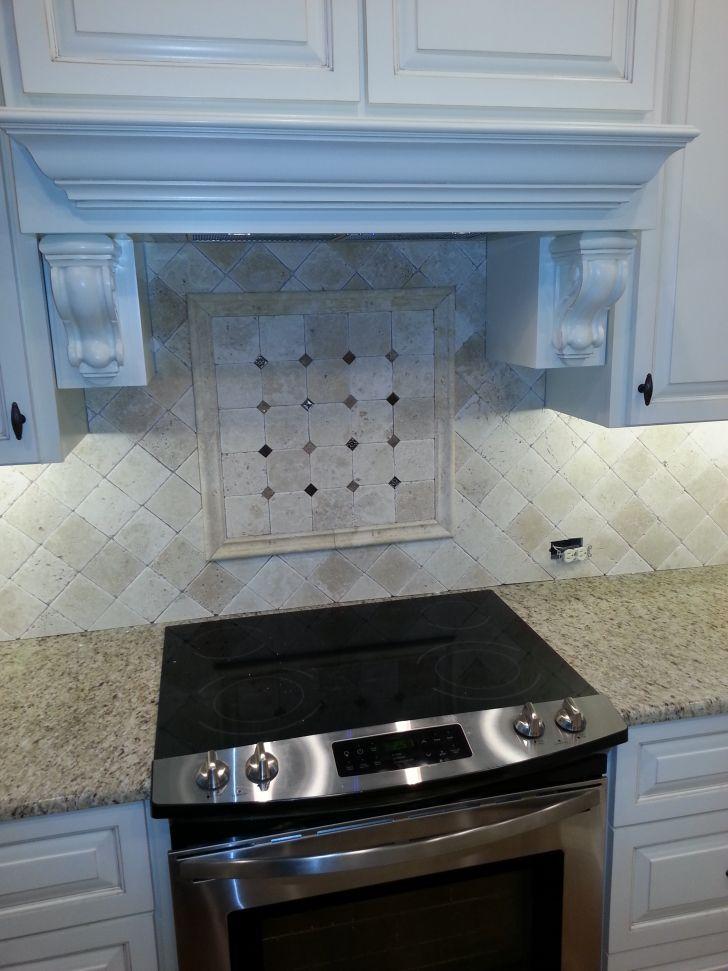 Unique Kitchen Tile Backsplash With Beige Natural Stone Tiles