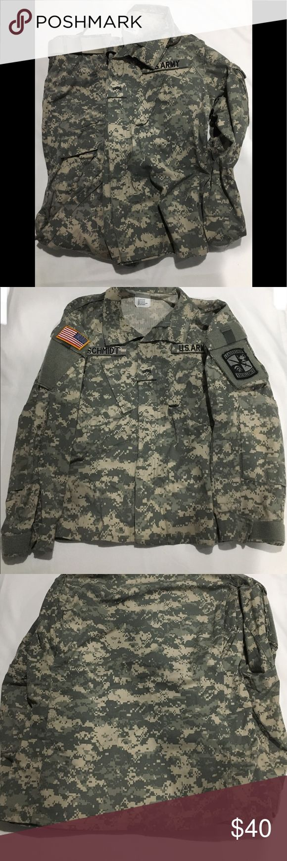 """Set of US Army ACU Army Combat Uniform Top Item Description:  Set of US Army ACU Army Combat Uniform Top and Bottom MultiCam / Digital Camouflage. The ACU Top is a size Medium - Short. The ACU Bottom is a size Small - Regular.  Imperfections: The ACU Uniform has stains, discoloration, and fading.  Top Dimensions:  63"""" - 67"""" - Height 37"""" - 41"""" - Width  Bottom Dimensions:  29 ½"""" - 32 ½"""" - Inseam 27"""" - 31"""" Waist  Weight: 3 lbs. 0 oz.  Notes:  Please refer to pictures for items condition and…"""