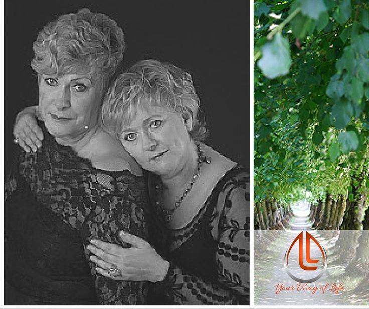 Angelina Carol maakte deze prachtige foto van Gerda en haar zus. Een kostbaar bezit, gecombineerd met een prachtige natuur foto uit de eigen collectie van Gerda. #WomenofToday