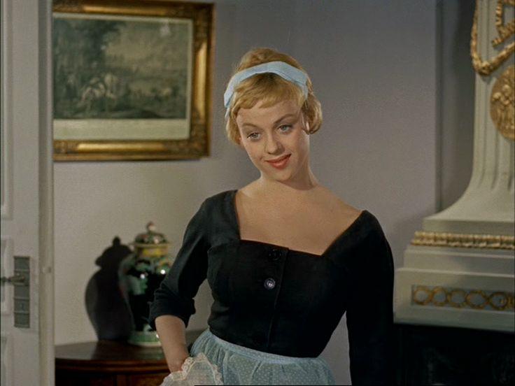 som Stuepigen, i Mor skal giftes fra 1958.