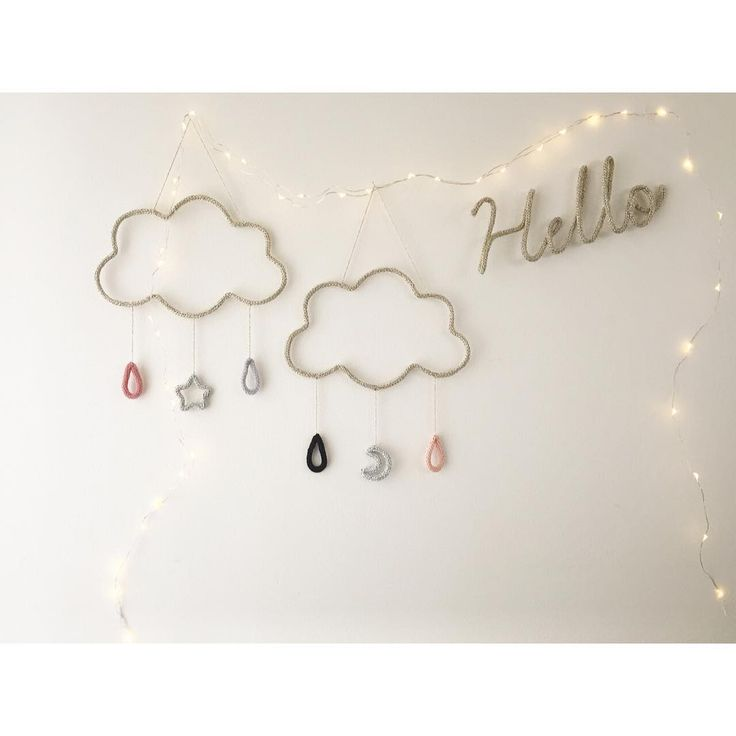 Eri On Instagram Cloud Mobile La Melancoline さんをイメージした 少し落ち着いた組み合わせのモビール Petit Etoile ウールレター Woollet ガーランド 手作り モビール ワイヤー マニキュア