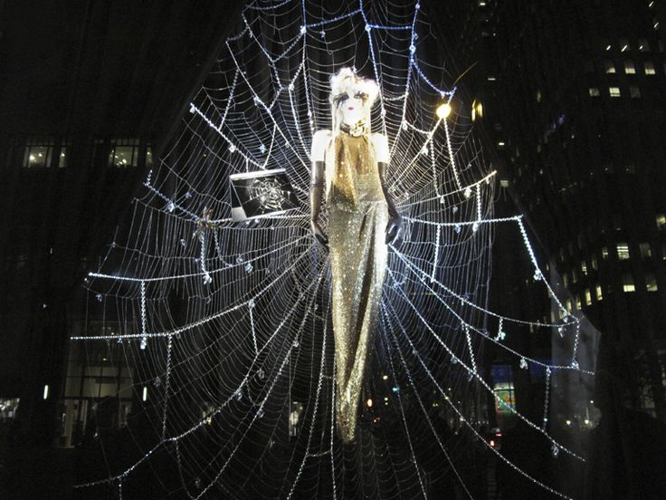 5 budget friendly halloween window displays for your retail store - Halloween Stores Portland Or