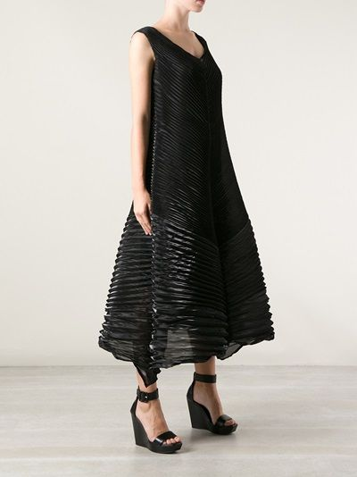 ISSEY MIYAKE - pleated structured dress 8