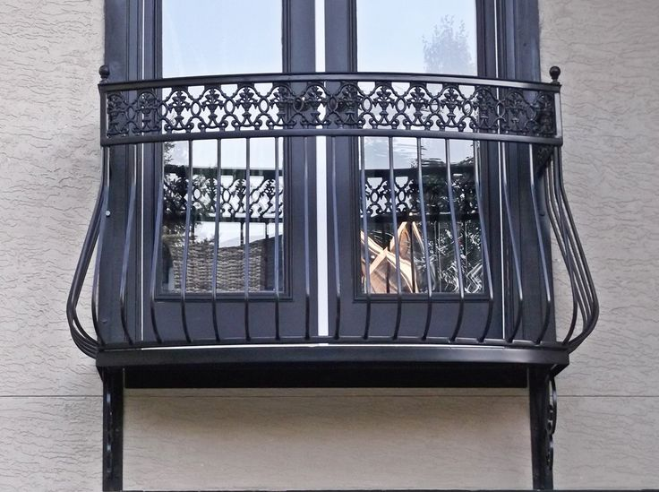 The 25 best ideas about iron balcony on pinterest for Metal balcony