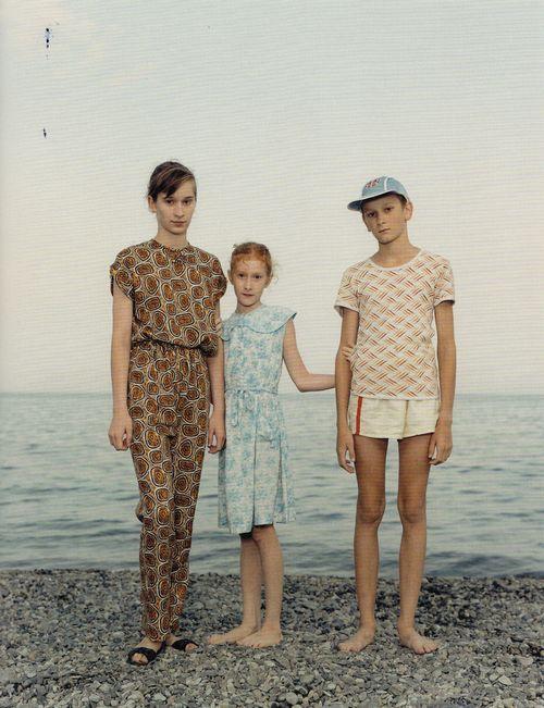 stray-souls:    Beach Portraits (1992-1998), Rineke Dijkstra    (cool tumblr site)