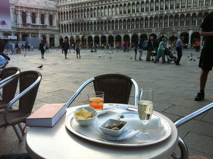 Caffè Florian, Venècia (1720)  Un cafè a un preu astronòmic amb unes vistes immillorables.