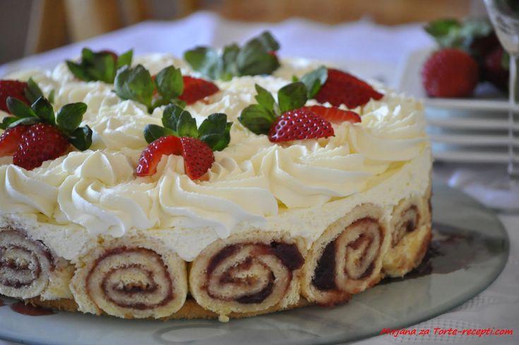 Lahodná torta s jahodami