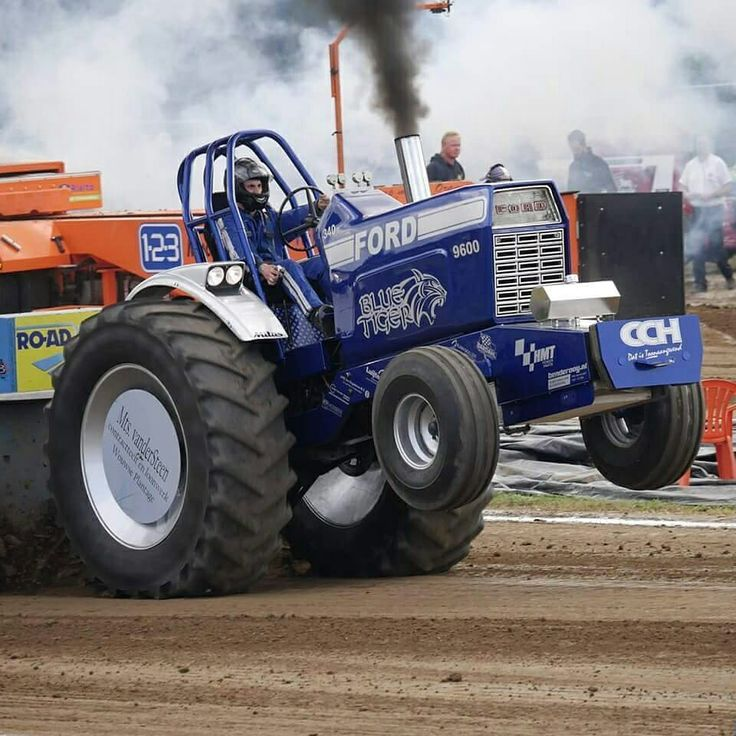 Blue Tiger Tractorpulling #ford9600 #bluepower