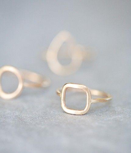 simple square ring: Anne Kiel. love gold!