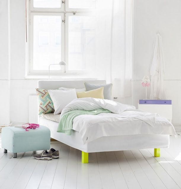 Nordic pastels and neon yellow legs. Bemz