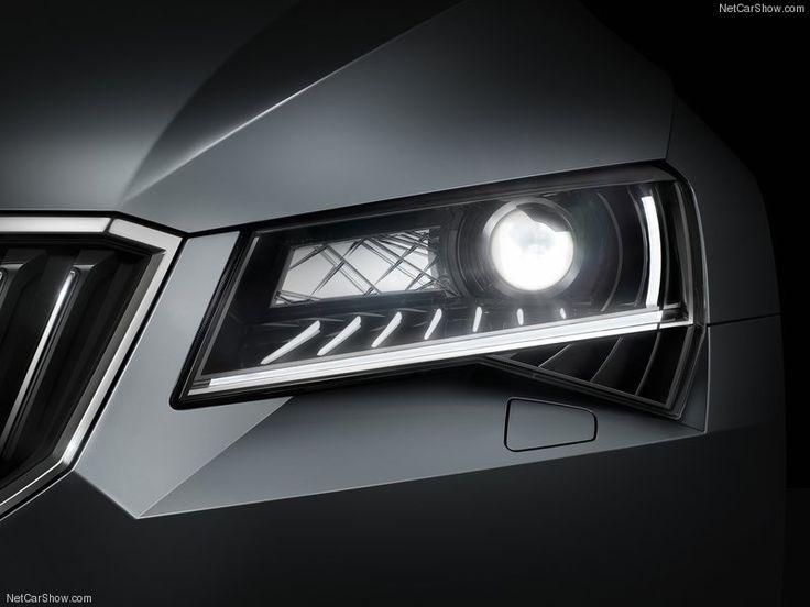 Skoda Superb 2015 Headlights