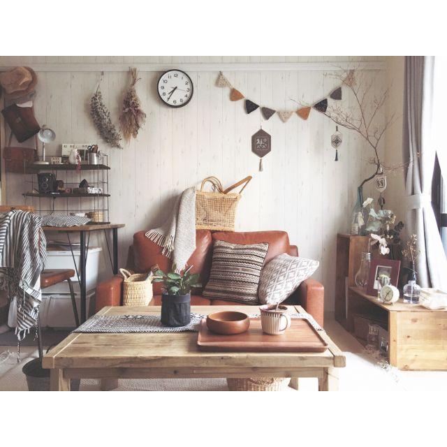 minami_09さんの、ドライフラワー,カフェ風,りんご箱,古道具,蚤の市,クッション,ジャンク,ガーランド,ソファ,アンティーク,ナチュラル,ニトリ,暮らし,無印良品,ローテーブル,ヴィンテージ,一人暮らし,暮らしを楽しむ,賃貸,DIY,Lounge,のお部屋写真