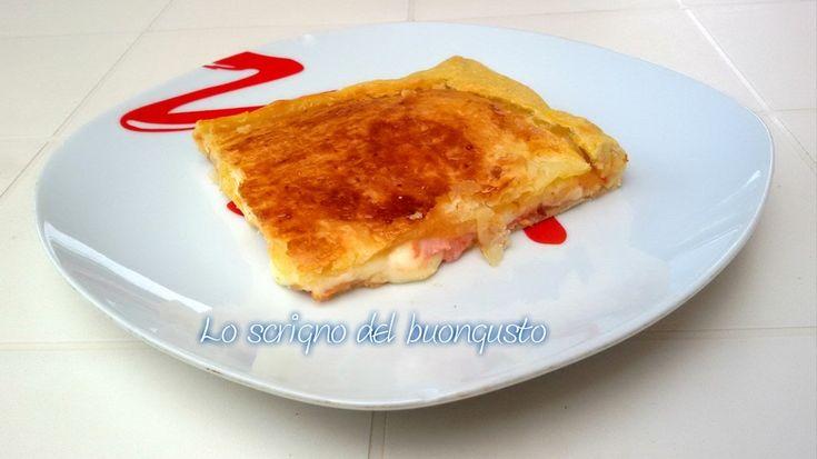 PIZZA PARIGINA (NAPOLI)  CLICCA QUI PER LA RICETTA  http://loscrignodelbuongusto.altervista.org/pizza-parigina/                  #pizzaparigina #pizza #Napoli #streetfood #food #pastasfoglia #solocosebuone #foodblogger