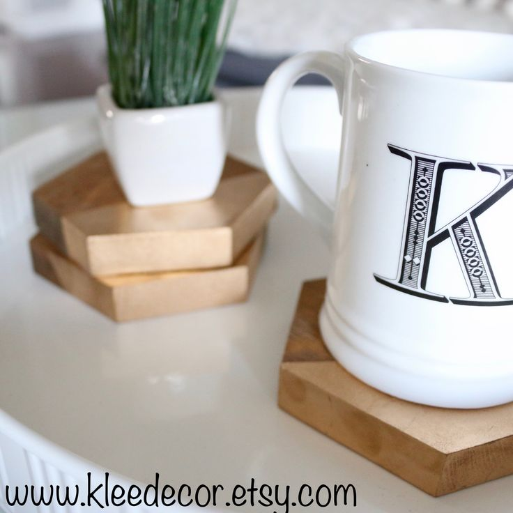Wooden Hexagon Coasters with a touch of Gold! www.kleedecor.etsy.com