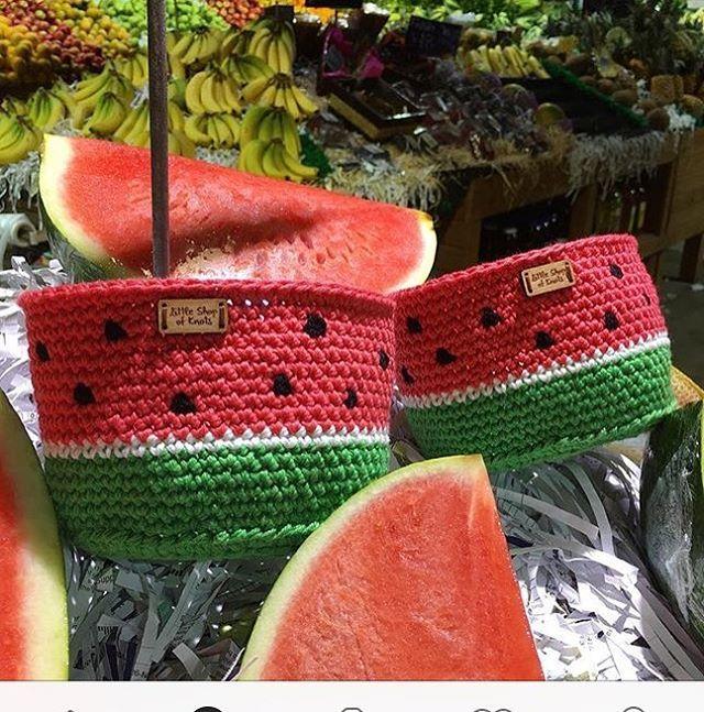 Gente que ama melancia ❤️ #boanoite #crochet #crochetlover #crochê #feitoamão…