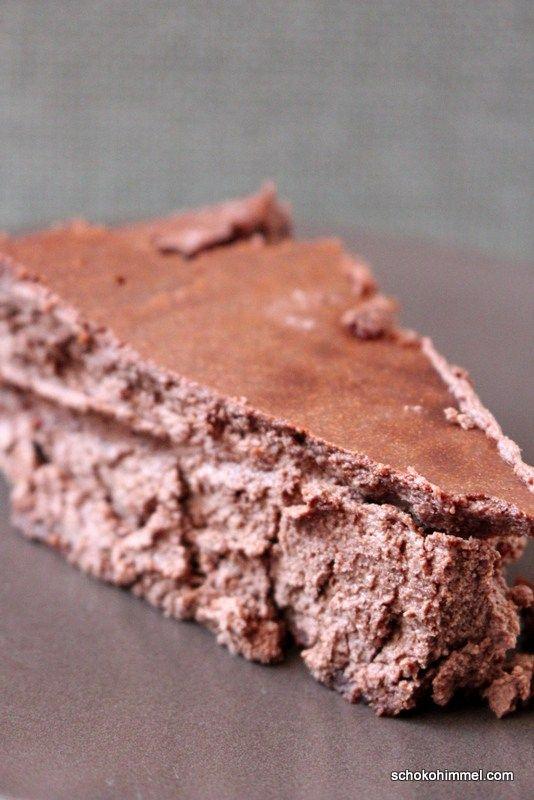 Moussiger Schoko-Cheesecake mit Keksboden