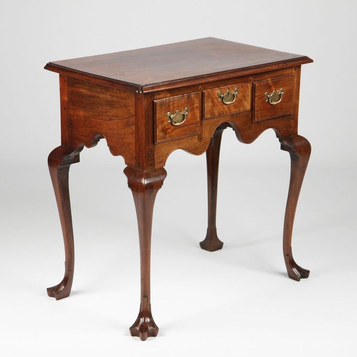 American Pennsylvania Chippendale Walnut Lowboy Chest Of Drawers C. 19th  Century