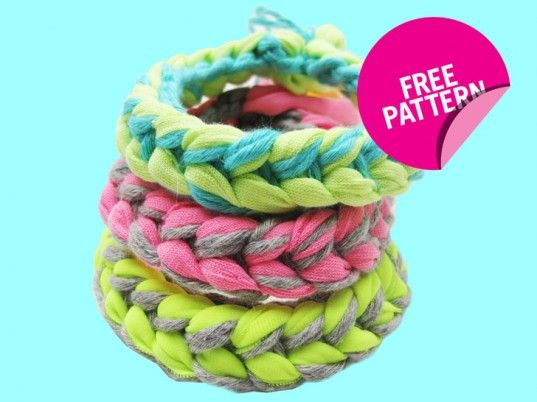 Whip up Wool and the Gang's knitted bracelets in less than 5 minutes!