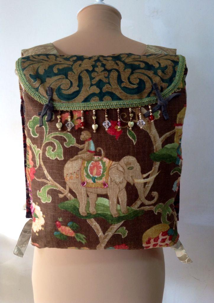 Mochila de tela ,lino y brocado de algodón y seda.