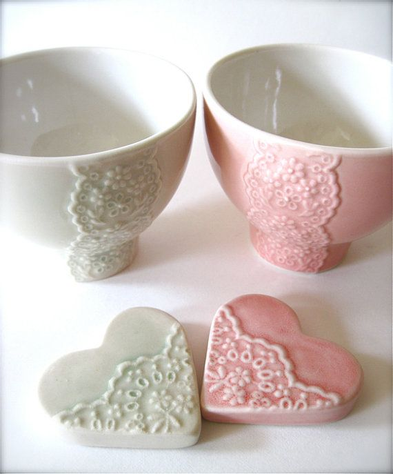 Lovely Wedding Gift Pair of Pink and Pale Green Porcelain Lace Bowl with heart lace cutlery rests set-Hideminy Lace Series