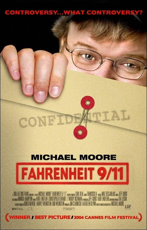 CINE(EDU)-427. Fahrenheit 9/11 (2004) EEUU. Dir: Michael Moore. Histórico. Partindo da controvertida elección de George W. Bush no ano 2000 séguese o seu ascenso do petroleiro texano a presidente dos EEUU, describindo as relacións económicas entre o seu pai e a familia de Osama Bin Laden. Tamén indaga sobre o sucedido en EEUU tras o 11S e como a Administración de Bush utilizou o ataque ás Torres Xemelgas para o seu propio beneficio político…