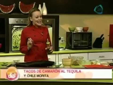 Tacos de camarón al tequila y chile morita - YouTube