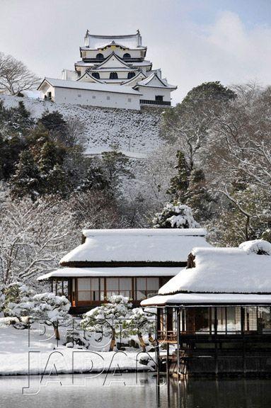 Winter at Hikone Castle and Genkyuen Garden, Japan