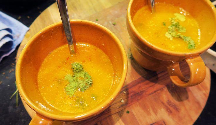 Pompoensoep met kokosmelk en curry