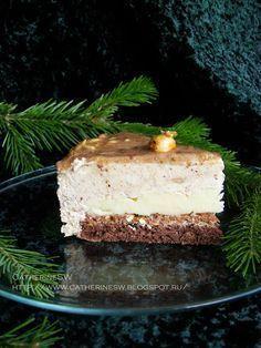 Торт Эмоция: шоколадный бисквит, лимонный курд, кранч, мусс с арахисовым пралине