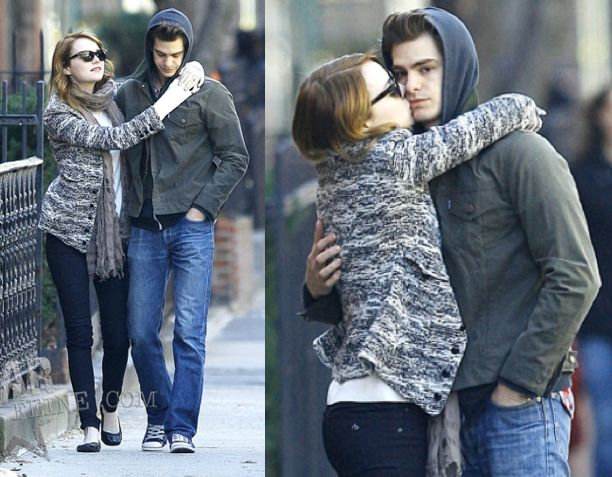 We recently saw some awkward candid photos of Andrew Garfield and Emma Stone taking a stroll through New York on Sunday morning and I think we all know why they were so uncomfortable now: the pesky paparazzi. I'm sure there are a lot of bonuses to being a celebrity, but I don't know if the loss of privacy is worth it.: Celebrities News, Sunday Morning, Celebrities Couples, Emdrew Stonefield, Emdrew Stonedfield, Andrew Garfield, Emma Stones