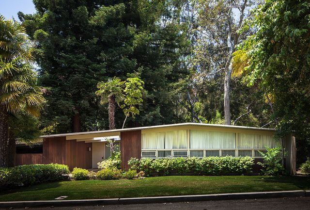 Elton Residence  Architect: Craig Ellwood (1951)  Location: Pacific Palisades, CA    Not the typical style for Ellwood.