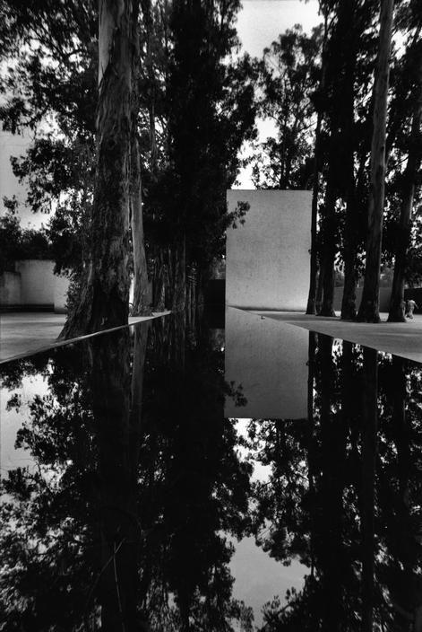 Luis Barragán | Las Arboledas - Plaza and Fountain of the Trough (1958-61)  (+) Photo by Rene Burri