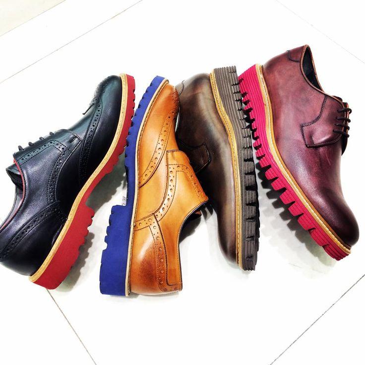 Stil sahibi erkekler!  #MaltepePark Hotiç yeni koleksiyonu ile sizi bekliyor.  #HayatMaltepeParkta