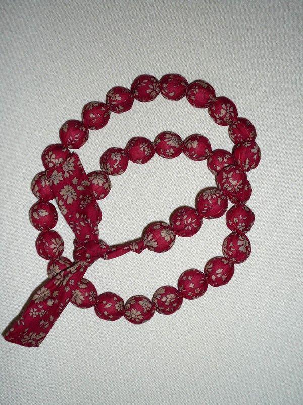 17 meilleures id es propos de bracelets en tissu sur pinterest bracelets manchettes en tissu. Black Bedroom Furniture Sets. Home Design Ideas