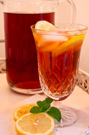 17 Iced Tea Recipes for Summer  My absolute favorite drink.  If it's made ri…