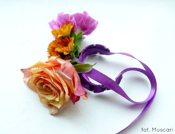 Bransoletka kwiatowa
