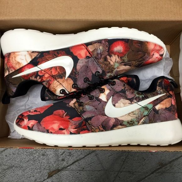 Nike Roshe Runs Sneaker shoes 8 New, Never worn!!!  women size: 8   ✦ This is lowest price and final price, NO bargaining, thanks.w  womens mens women men cute nike vans NB jordan converse adidas puma casual champs barefoot stability jogging walking colors print printed brooks cross training cheer zoom asics barefoot mizuno oasis salomon saucony flywire roshe trail air max shox lunar athletic gel sports pegasus spira white light pink nb dress black lightweight motion control cool platform…