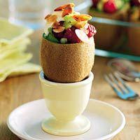 Kiwi's met fruitsalade (gebruik yoghurt van soja i.p.v. kwark) #fruitsalade #vegetarisch