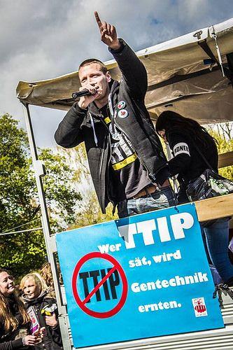 Kilez More Live auf der Stop TTIP Demo 2016
