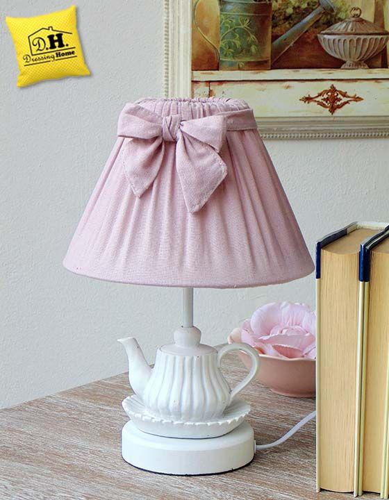Una meravigliosa teiera ed un dolcissimo cappello , voilà la nostra lampada è pronta !!!