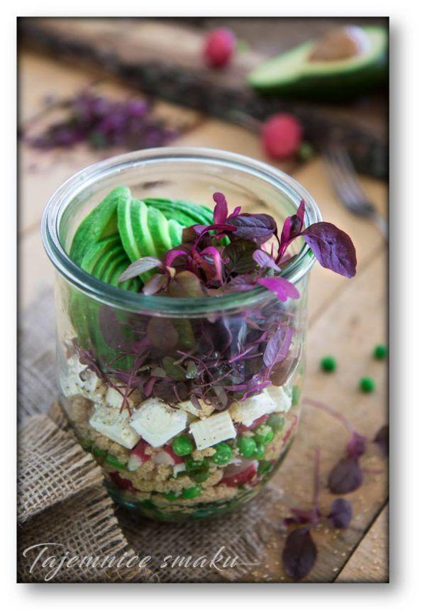Sałatka amarantus z fetą, groszkiem, awokado i rzodkiewkami – Tajemnice smaku