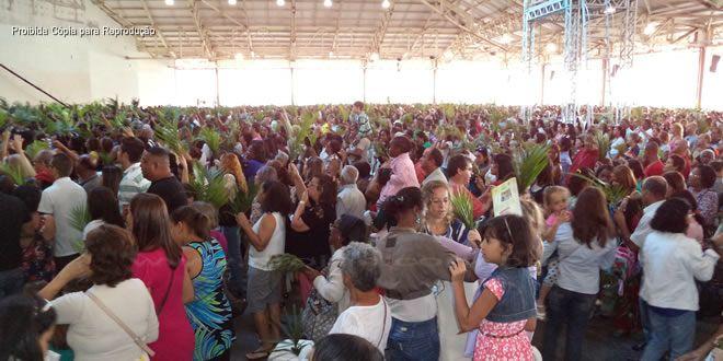 Romeiros de Jacarezinho participaram da missa no Santuário do Padre Marcelo Rossi - http://projac.com.br/noticias/romeiros-de-jacarezinho-participaram-da-missa-santuario-padre-marcelo-rossi.html