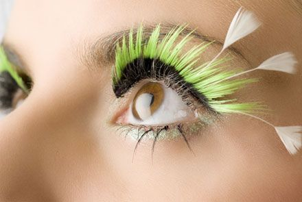 OLL 132 - Black to Lumo Green lash finished with white feather tips on outer corners