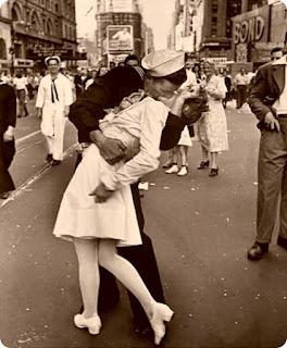 Dia do Beijo: Kiss Nyc, En Blanc