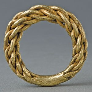 Jewelry | A Viking Double Plaited Gold Ring, Sweden - The Curator's Eye - Kumihimo inspiration