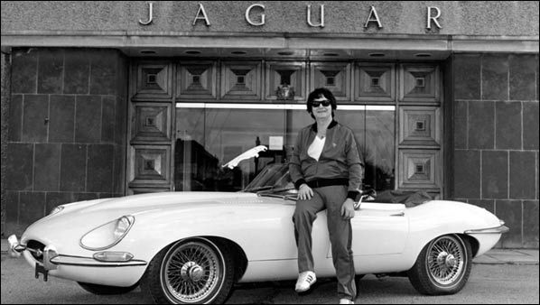 Two legends roy orbison with his 1968 jaguar e type for Roy motors used cars